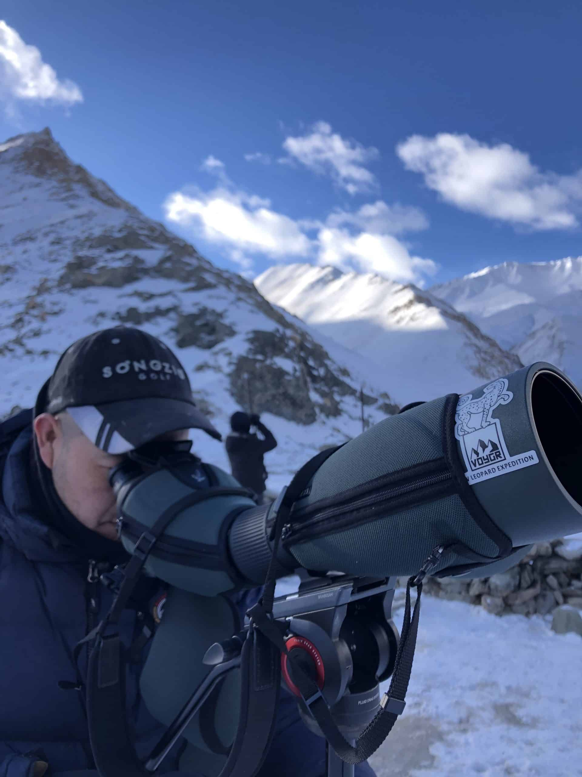 Specialists Are Always Scanning On Snow Leopard Tours